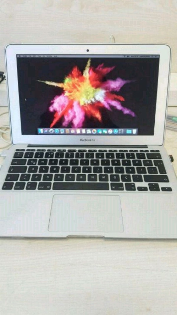 Macbook Air 2015, 11inch de6b2e2a-6600-4bfb-ae9c-b1d22f16179e