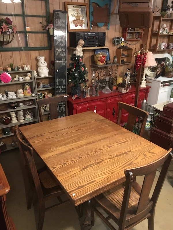 Antique oak table and chairs - Used Antique Oak Table And Chairs For Sale In Syracuse - Letgo