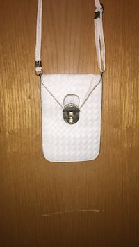 White leather crossbody bag St Catharines, L2T
