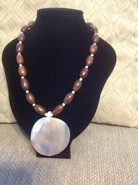 Brown Shell Necklace 974 mi