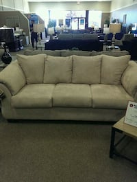 Light tan sofa and loveseat Elkton, 21921