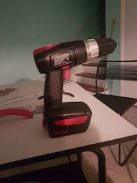 black and red cordless power drill Trois-Rivières, G8Y 3Y3
