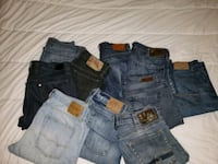 10 prs of men's jeans size 32 all in great condition.  Kitchener, N2M