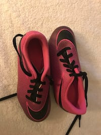 Nike Girls soccer cleats Fairfax, 22032