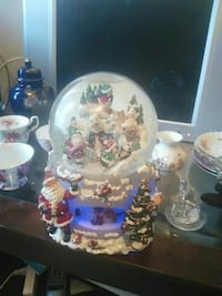 Beautiful collectable snow globe Toronto, M6M 2H6