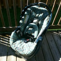 baby's gray and white bouncer Laval, H7R 6C8