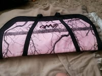 Pink mossy oak compound bow case Rogue River, 97537
