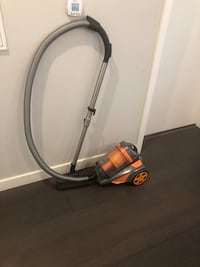 Bagless Canister Vacuum $25.00 FIRM New Orleans, 70113