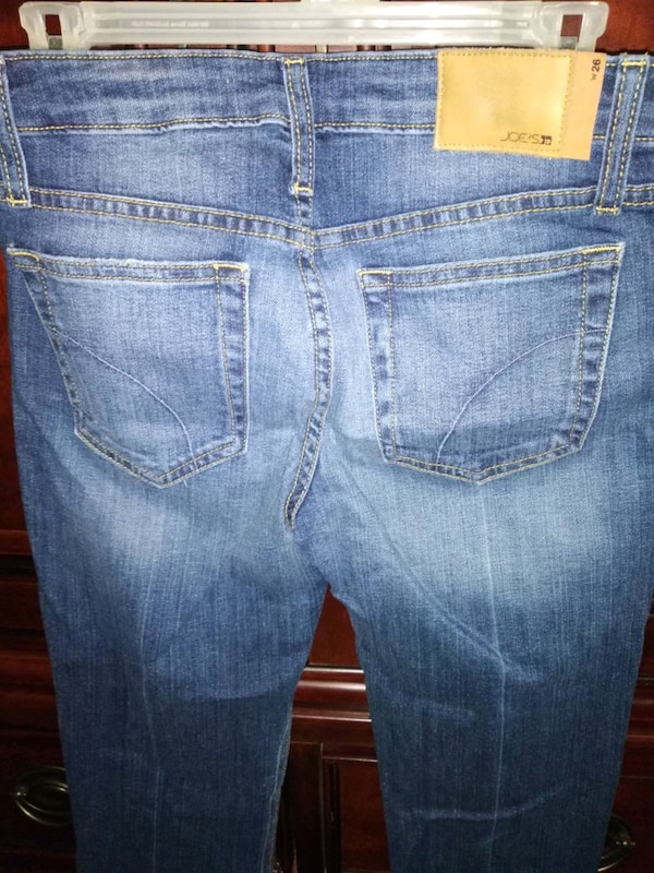Womans blue denim straight cut jeans 05a5c198-3def-4de3-be10-210acb6470f1