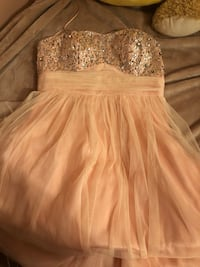 Beautiful peach gown Mississauga, L4Y