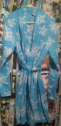 Ladies robe $5 one size fits all