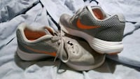 Nike tennis shoes Independence