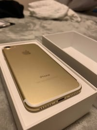 gold iPhone 6 with box Toronto, M8Y 1R7