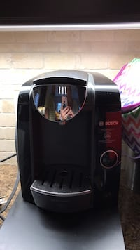 black and gray Keurig coffeemaker Grimsby, L3M 0E5