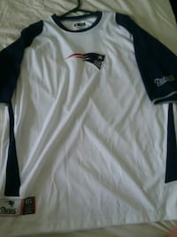 New England patriots shirt new Large Millersville, 21108