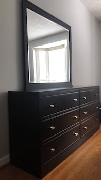 Dresser with mirror, solid wood Mississauga, L5C 2M2