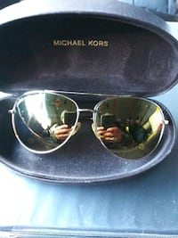 MK GOLD Aviator sunglasses and Matching Watch with cases. LIKE NEW ! Chicago, 60632
