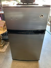 Mini refrigerator with freezer Fresno, 93722