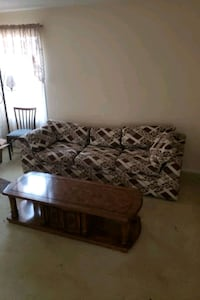 Free couch  Mississauga, L5N 4B7