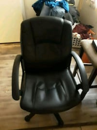 black leather padded rolling armchair Stockton, 95202