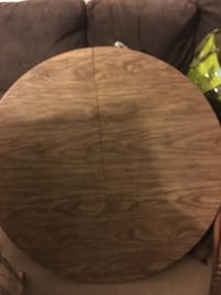 round brown wooden table top Courtice, L1E 1Y2
