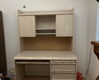 White wooden computer desk with hutch Mississauga, L5W 1H7