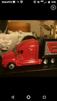 red and black car toy
