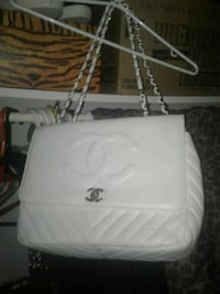 Chanel Paris white purse Gatineau, J8Z 1T7