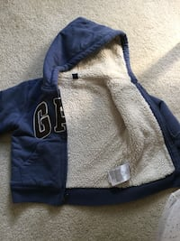 Blue jacket for kids it's very good condition size 3 years  London, N6B 0B1