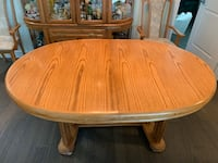 Extendable Dining table & chairs Toronto, M5H 1P9