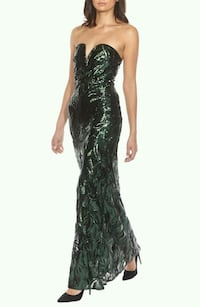 BNWT EMBELLISHED PROM GOWN