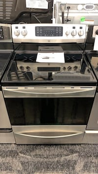 "Induction stove 30"" Kenmore Toronto, M6H 2C5"