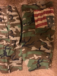 Green, brown, and black camouflage cargo shorts Ralph Lauren Pearland, 77584