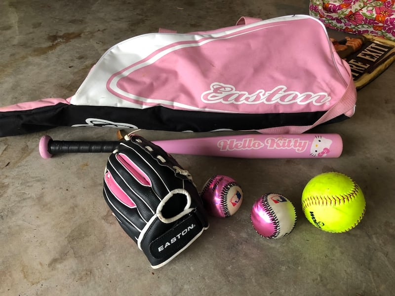Little girls softball set- glove, bat, bag, balls f9381f10-4799-4d98-927b-9f1bfd83fa9b