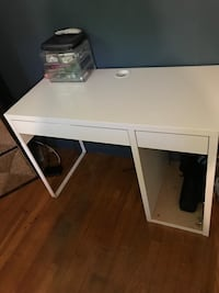 white wooden single pedestal desk Woodbridge, 22193