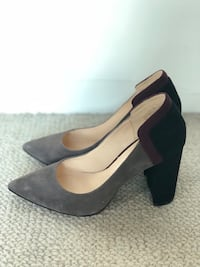 Brand new suede pointed-toe pumps - size 5 Vancouver, V6E 4P1