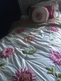 Quilted comforter, with green bed skirt and valance  Damascus, 20872