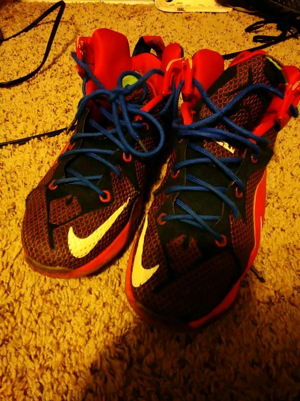0315006a590 Used shoes LeBron size 6 for sale in Marysville - letgo