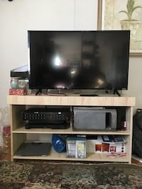 white wooden tv stand Lothian, 20711