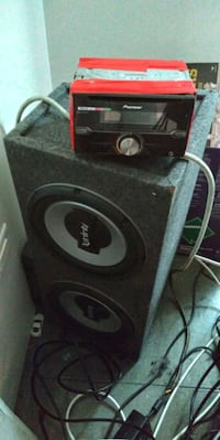 Xfinity size 10 with box and pioneer cd player