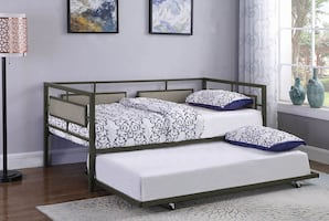Maddie black and taupe daybed with trundle