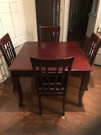 Solid wood table with 4 chairs Vaughan, L6A 0H2