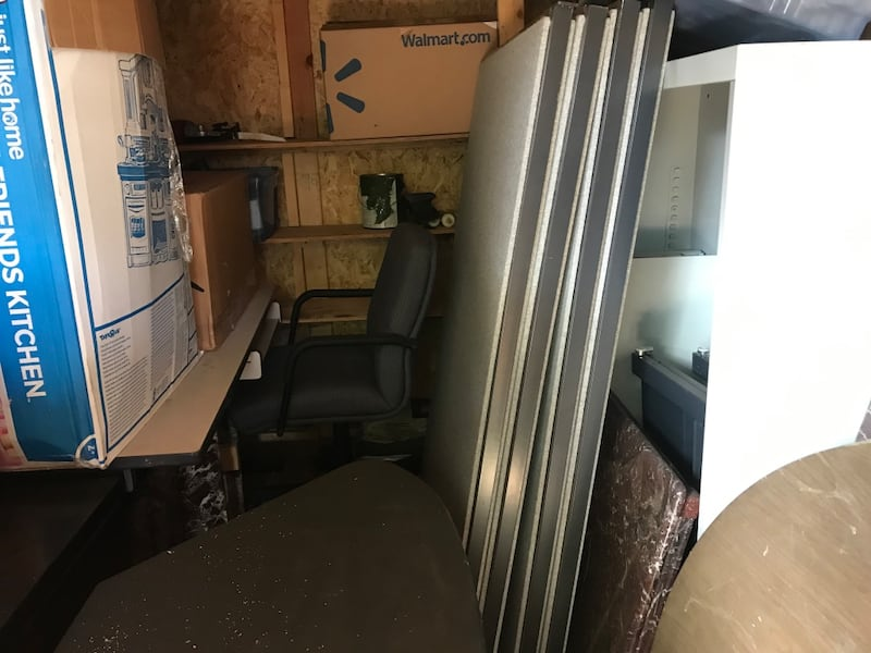 Home office desk and cubicle panels 8f025f0c-3b54-41c0-9547-ef2bbad72bc8