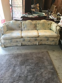 Vintage funky sofa/couch very nice very comfy Macon, 31216