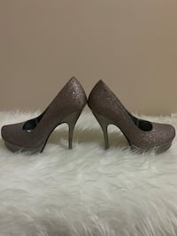 One time worn high heels shoes Toronto, M2H 2Y3