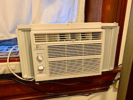 Almost new Air conditioner