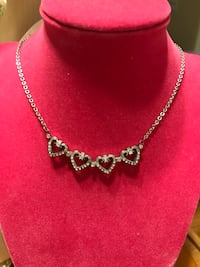Beautiful Silver Heart Diamond Crystal Necklace Gainesville, 20155