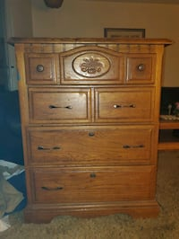 Chest of drawers dresser