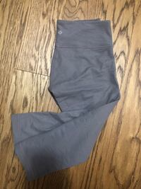 Lululemon size 6 mid-rise cropped leggings