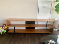 Tv stand Chicago, 60607